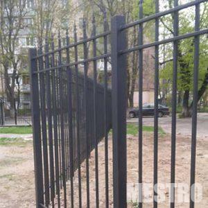 Металлический забор от компании mestro